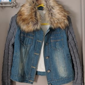 Knit Sleeve Jean Jacket with detachable faux fur